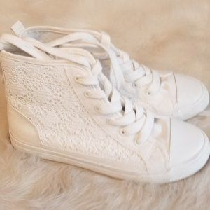 Cat & Jack High Top White Lace Sneakers Zippers